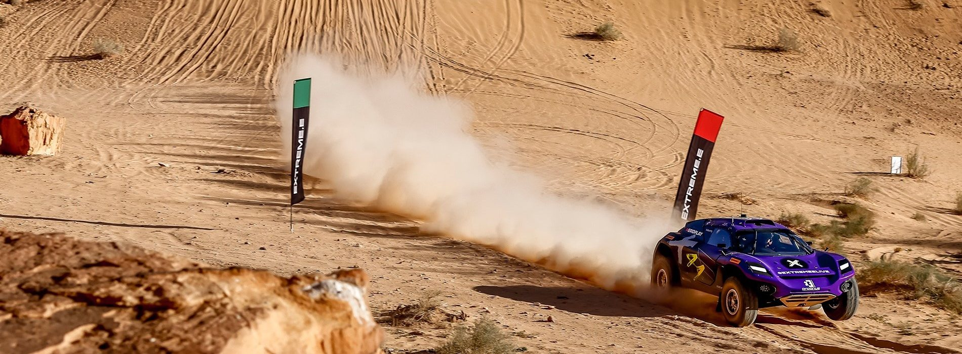 How did Extreme E deliver racing to global audience through sustainable use of technology?